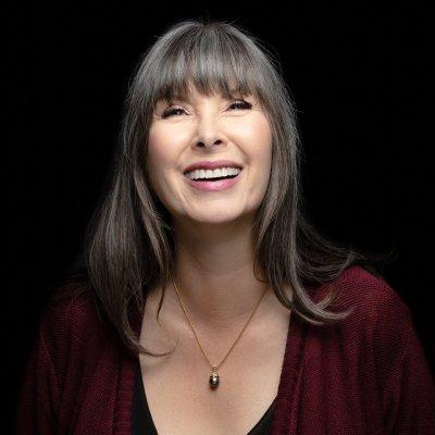 Author Naomi Brett Rourke smiling